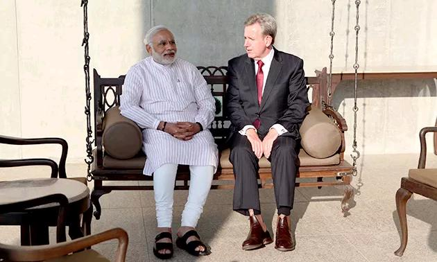barry ofarrel meets modi 2
