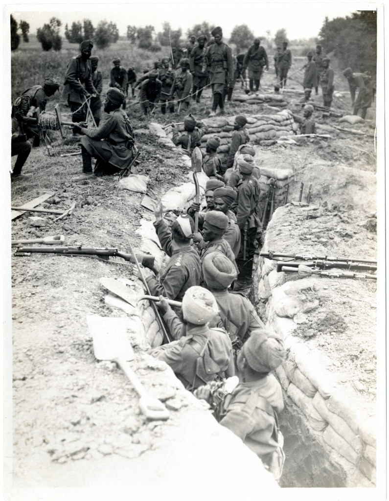 indian-infantry-digging-trenches